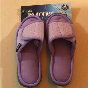 NWT lavender Isotoner slippers size L, 8.5-9